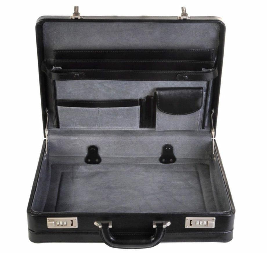 1205 Zwartlederen attachékoffer van Dermata lederwaren